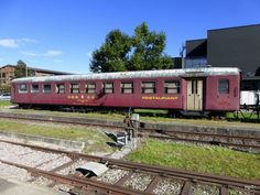 Verein Seetaler - Abgestellter Speisewagen Ex. SBB WR 50 85 in Ramsen am Train Car, Coaches, Trains, Cars, Pictures, Swiss Guard, Trainers, Autos, Car