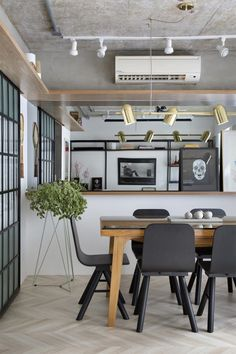 Small dining room ideas to make the most of your space Interior S, Interior Design, Traditional Dining Rooms, Dinner Room, Dining Room Inspiration, Dining Room Lighting, Home And Deco, Room Lights, Living Room Kitchen