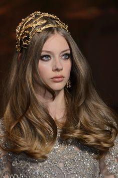 Beauty at Elie Saab Haute Couture Fall 2015 Brown Blonde Hair, Dark Blonde, Elie Saab Couture, Elie Saab Fall, Couture Details, Charlotte Casiraghi, Love Hair, Headpiece, Bridal Hair