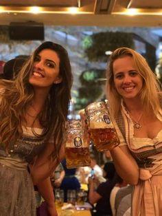 German Beer Festival, Beer Costume, Beer Maid, Oktoberfest Beer, Beer Girl, German Girls, Beer Lovers, Sexy Hot Girls, Lederhosen