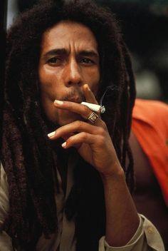 Bird tattoo men truths Ideas for 2019 Bob Marley Legend, Bob Marley Art, Bob Marley Quotes, Reggae Art, Reggae Music, Music Music, Bob Marley Smoking, Bruce Lee, Rastafarian Culture