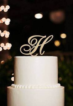 Cake Toppers-Make your Cake a Classic Wedding Cake a Showstopper- #wedding2017 #bruidsgids #wedding