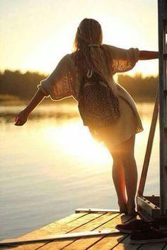 Ho l'anima zingara,  lo spirito ribelle e il cuore da bambina...  Vivo le emozioni, viaggio con i pensieri e non mi fermo mai...   ~( - )~