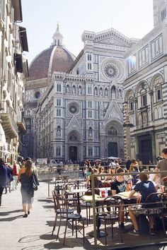 Florence, Italy >>> Oh this makes me miss my time in Florence so badly. I used to sit by a cafe that was just to the left of this photos and people watch outside the Duomo.