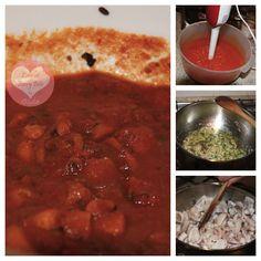 Un piatto ricco e gustoso. Ricetta moscardini alla luciana. Octopus in tomato sauce