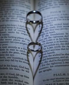 Bible & Wedding Rings Photo ~ AWESOME ~
