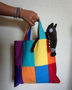"""Le loup qui voulait changer de couleur. Orianne Lallemand et Eléonore Thuillier. Création vêtements by """"Mes Amourettes""""."""
