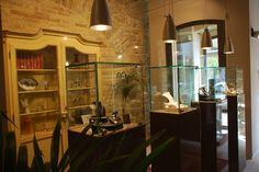 Uno sguardo all'interno della nostra gioielleria, a quick view of our jewelry.  www.mrgallery.eu  info@mrgallery.eu
