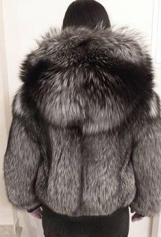 Jackets & Coats Cheap Sale 2018 Real Blue Fox Fur Vest Short Fox Fur Jacket Women Parka Winter Coat Sleeveless Outerwear Fur Coat Streetwear Top Quality