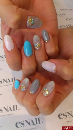 nails with sea shells and star fish great for summer