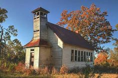 Old School House - Rural Wright County Missouri Freedom was in Benton County Alexander township Abandoned Churches, Old Churches, Abandoned Places, Church Building, School Building, Old School House, School Days, Country School, Old Country Churches