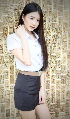 School Uniform Girls, Girls Uniforms, High School Girls, Pretty Asian, Beautiful Asian Girls, Pleated Mini Skirt, Mini Skirts, University Girl, Thai Traditional Dress