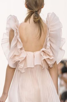 feminine ruffles from the Chloe Spring 2013 runway {love this look} ill take it whatever it is pretty fabric, color, ruffles back flow and transparency Moda Fashion, Fashion Week, Runway Fashion, Fashion Models, Fashion Show, Paris Fashion, Girl Fashion, Style Fashion, Feminine Fashion
