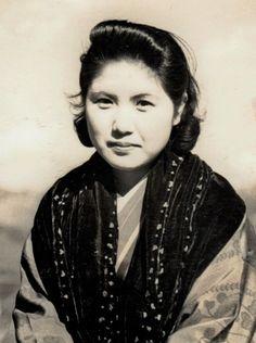 Portrait of My Wife, Kansuke Yamamoto c.1950. ©Toshio Yamamoto