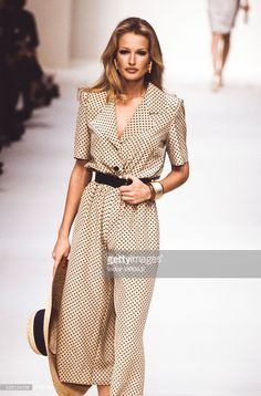 Karen Mulder walks the runway at the Givenchy Ready to Wear Spring/Summer 1993…