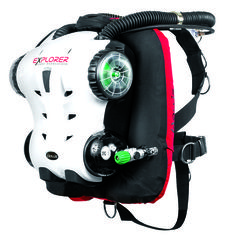 Our scuba diving gear editor lists the top scuba diving equipment and gear trends to look out for, including rebreathers and freediving gear.