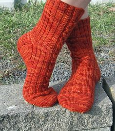 Ravelry: Katniss pattern by Yvette Noel Free, fingering yarn, Top down, wide toe