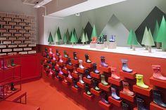 Hunter ouvrira plusieurs flagships, mais délaisse la Fashion Week de Londres