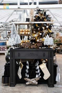 #fireplace #blackandgold #goldchristmasdecor #blackchristmasdecor #christmas #christmastime #christmasseason #christmasvibes #christmasspirit #christmasdecorating #christmasdecor #christmasdecorations #christmashome #christmasinspiration #christmasinspo #vermeersgardencentre