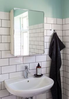 Maskulint og minimalt badeværelse   Bobedre.dk