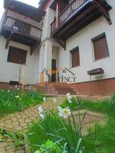 Casa de inchiriat, zona Schei - Biserica Sfanta Treime . Plants, Plant, Planets