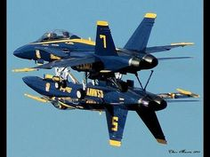 Straaljagers US Navy Blue Angels 5 & 7 1995 Military Jets, Military Aircraft, Navy Aircraft, Fighter Aircraft, Fighter Jets, Airplane Fighter, Us Navy Blue Angels, Photo Avion, Pilot
