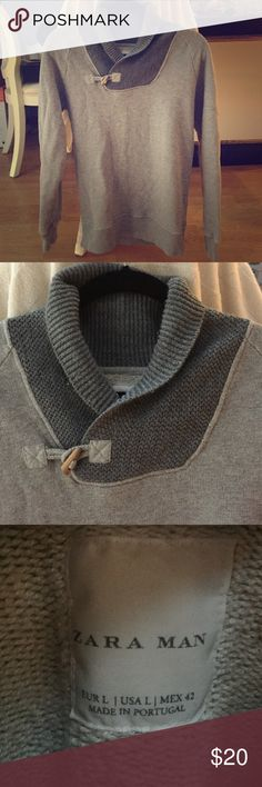 Zara Man sweater jumper Zara man jumper sweater in grey with a wooden fast  under the neck 4fdf3be35