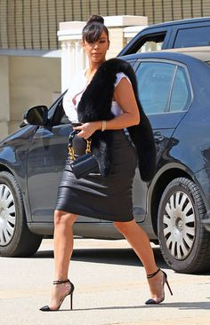 Kim Kardashian arriving at Barney's New York in Los Angeles, California - March 21, 2013 - Photo: Runway Manhattan/Bauer-Griffin