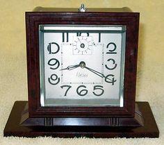 CLOCK~1930s French Art Deco Bakelite Mantle Clock