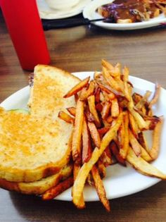 Patty Melt, Fries, gravy Lita's Station  |  904 Saskatchewan Avenue East, Portage la Prairie, Ma