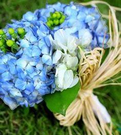 hydrangea-wedding-bouquets