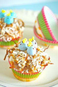 Baby Blue Bird Nest Cupcakes | #easter #cupcakes #dessert