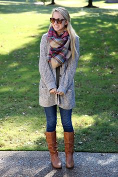 Baggy sweater, scarf, boots