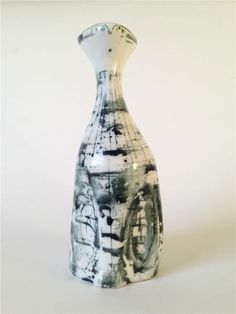 Richard and Susan Parkinson Studio Pottery Porcelain Cat - Bottle Vase, Bottles, White Bodies, Carafe, Cat Art, Vases, 1950s, Pots, Porcelain