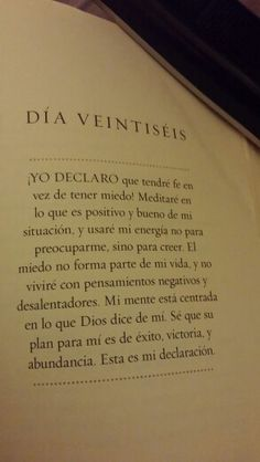 Dia 26 Spanish Prayers, Joel Osteen, Happy Quotes, Gods Love, Affirmations, Meant To Be, Spirituality, Healing, Bible