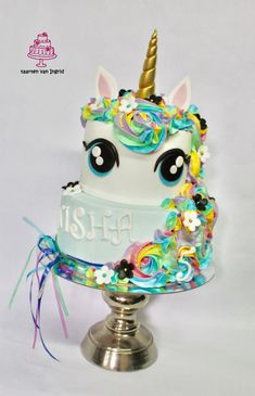 Unicorn cake / eenhoorn taart Birthday Candles, Birthday Cake, Birthday Kids, Cupcakes, Sweets, Shiva, Desserts, Daisy, Bed