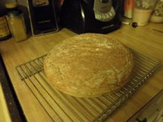 Solar Cooked Sourdough: This recipe was developed from a sour dough recipe designed for conventional home ovens. It now creates a beautiful delicious sour dough bread in you Oven Recipes, Cooker Recipes, Bread Recipes, Solar Oven Diy, Camping Meals, Camping Recipes, Solar Cooker, No Rise Bread, Baking Stone
