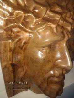 Jesus tallado en alto relieve sobre madera de campano.  Dimensiones: 40 X 40 cm Greek, Statue, Wood, Greece, Sculptures, Sculpture