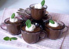 Budinca de ciocolata cu menta Chocolate Pudding, Summer Recipes, Sweets, Baking, Desserts, Food, Tailgate Desserts, Deserts, Good Stocking Stuffers