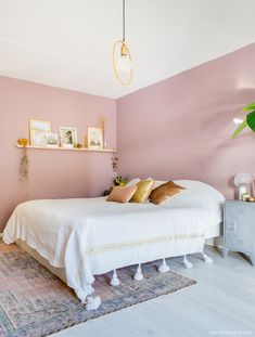 11 Cool Pink Bedroom Ideas That Can be Pretty - All Bedroom Design Bedroom Inspirations, Home Bedroom, Bedroom Interior, Light Pink Bedrooms, Bedroom Design, Bedroom Wall, Bedroom Decor, Pink Bedroom Walls, Home Decor