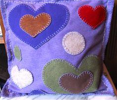 Easy appliqué felt cushion
