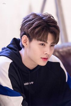in bl drama love by chance Hermoso Handsome Faces, Handsome Boys, Boys Like, Cute Boys, Kdrama, Cute Gay Couples, Thai Drama, Cute Actors, Korean Men
