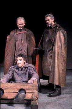 King Lear: Director: Peter Brook; Royal Shakespeare Company, 1962  READ TEXT WITH THIS PHOTO