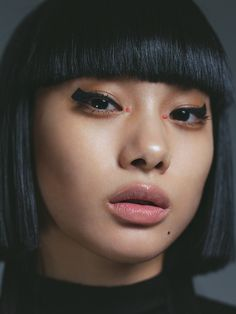 TOKYO IT GIRL BEAUTY #7 square eye line - NYLON JAPAN   ニューヨーク生まれのキュートでROCKでオシャレなファッションマガジン『NYLON JAPAN』。見るだけでキュンとしちゃうような、可愛くてクールなファッション・ビューティ・スナップ・音楽・映画・アートなどの最新情報がギュッと詰まったスクラップマガジンです!