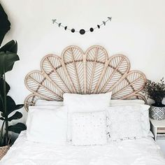 How awesome is my mate @lucykatejackson's bedroom!? I visited the home of @wethe_wildones in Burleigh Heads over the weekend and was blown away by their awesome boho beach pad. In true gypsy style their dining table is made up of palets on the floor with cushions for seats. Yes, just yes.