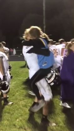 Football Players And Cheerleaders Relationships _ Players In Relationships - Relationship Funny - Wanting A Boyfriend, Boyfriend Goals, Future Boyfriend, Football Girlfriend, Perfect Boyfriend, Teen Couple Pictures, Cute Couple Videos, Football Couple Pictures, Football Couples