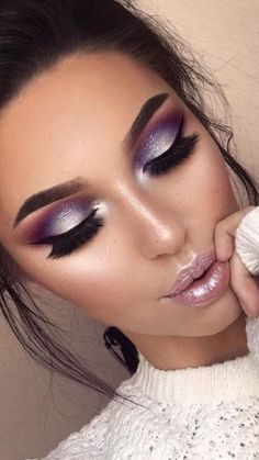Every woman surely wants to have a beautiful eyes. They might do everything to get what they want by doing make up or eyes treatments. But, not all types of make up is suitable for…Read Dramatic Eye Makeup, Purple Eye Makeup, Skin Makeup, Purple Eyeshadow, Purple Makeup Looks, Dramatic Wedding Makeup, Silver Eye Makeup, Eyeliner Makeup, Makeup Tricks