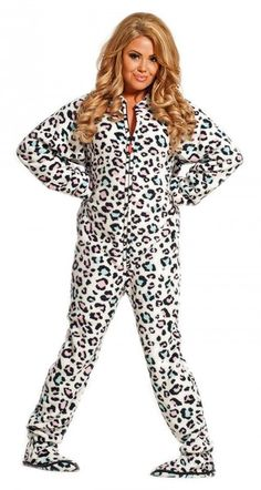 The Star Trek adult onesie pajamas are footed and come in three popular colors. Beam your own onesie up today. Adult Pajamas, Onesie Pajamas, Pjs, Star Trek Uniforms, Pajama Pattern, Swagg, Passion For Fashion, Lounge Wear, Sexy
