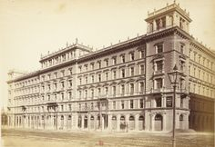 Bank? Vienna, Old Photos, Louvre, Building, Travel, Antique Photos, Voyage, Vintage Photos, Buildings