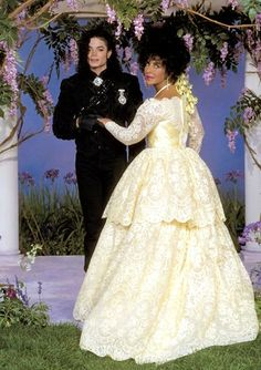Elizabeth Taylor & Michael Jackson at Her Final Wedding to Larry Fortensky: Never-Before-Seen Photos Michael Jackson Dangerous, Lisa Marie Presley, Paris Jackson, Janet Jackson, Elizabeth Taylor Michael Jackson, Brooke Shields Michael Jackson, Elvis Presley, Divas, Jackson Family